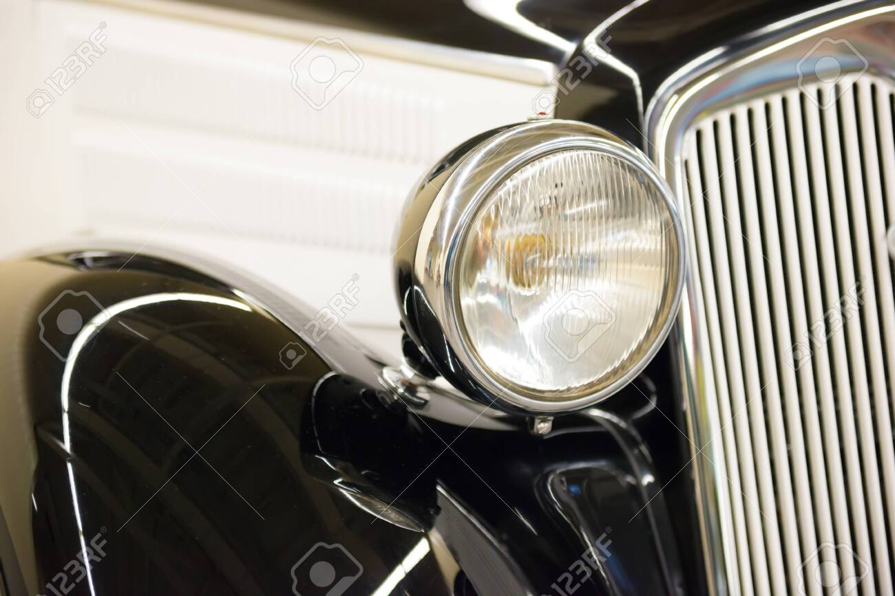 Retro black car headlight from old vintage auto exhibition - 135123662