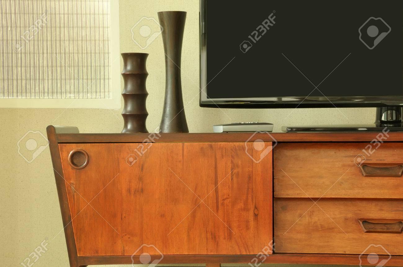 Retro Teak Tv Kast.Retro Decoration On Television Cabinet In Room Stock Photo