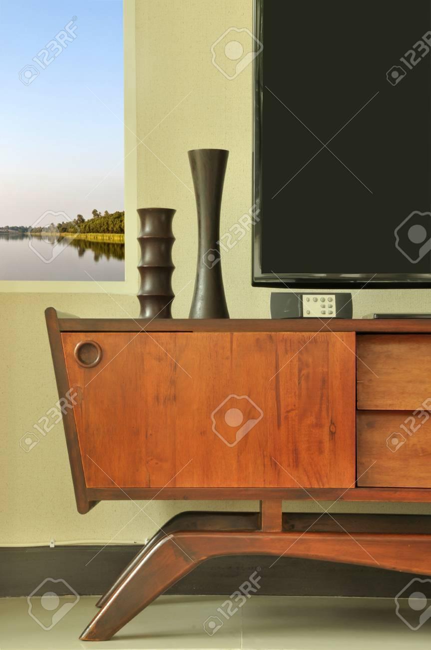 Retro Teak Tv Kast.Retro Decoration On Television Cabinet In Scandinavian Furnishing