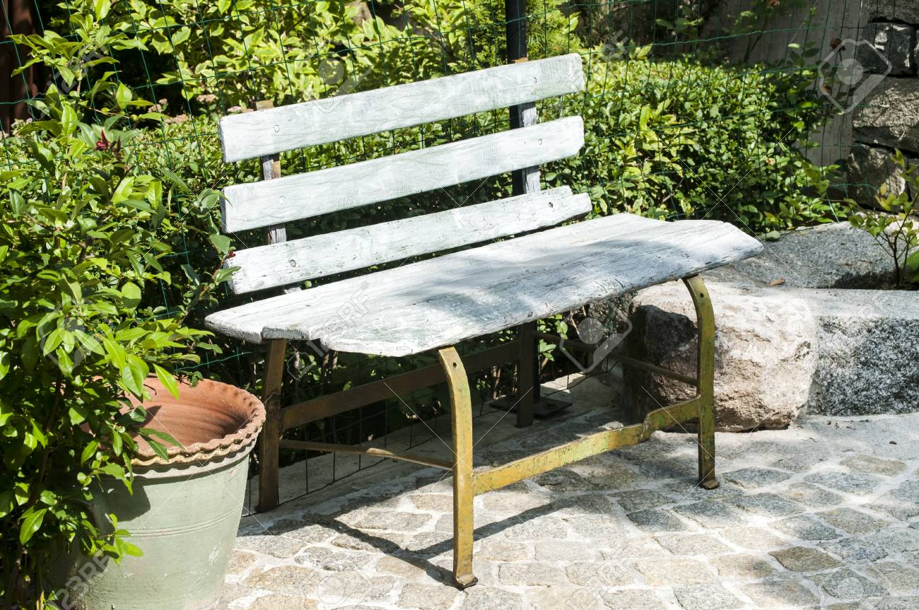 Marvelous Old Wooden Garden Bench In House Backyard Caraccident5 Cool Chair Designs And Ideas Caraccident5Info