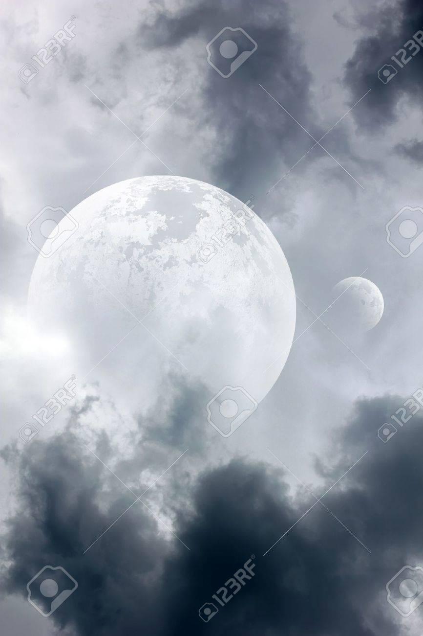 beautiful moon Stock Photo - 9631527