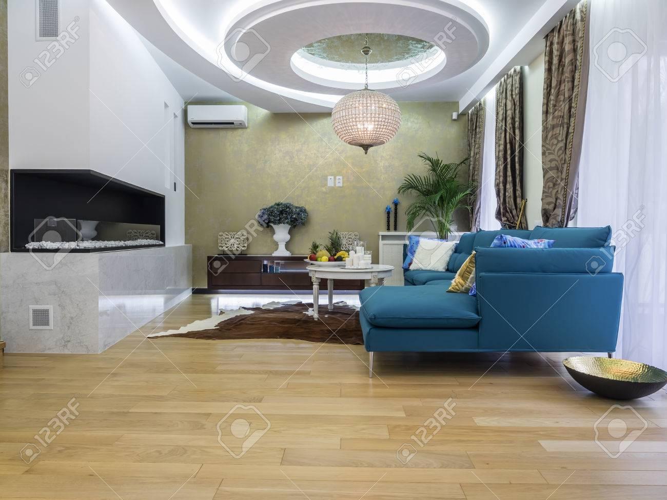 https://previews.123rf.com/images/vasileus/vasileus1507/vasileus150700054/42448416-vivre-int%C3%A9rieur-de-la-chambre-.jpg