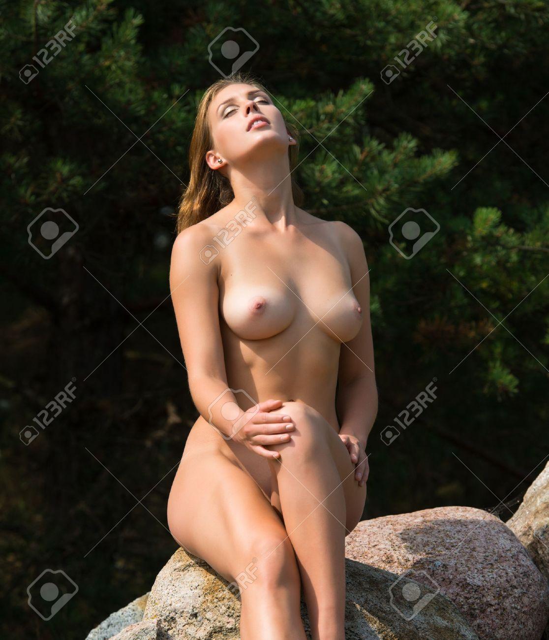 nackt bild frau