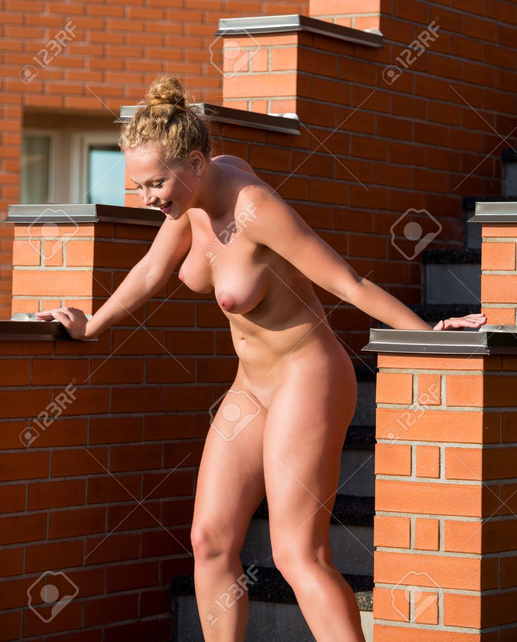 Frauen gebückt nackte Geile Frauen
