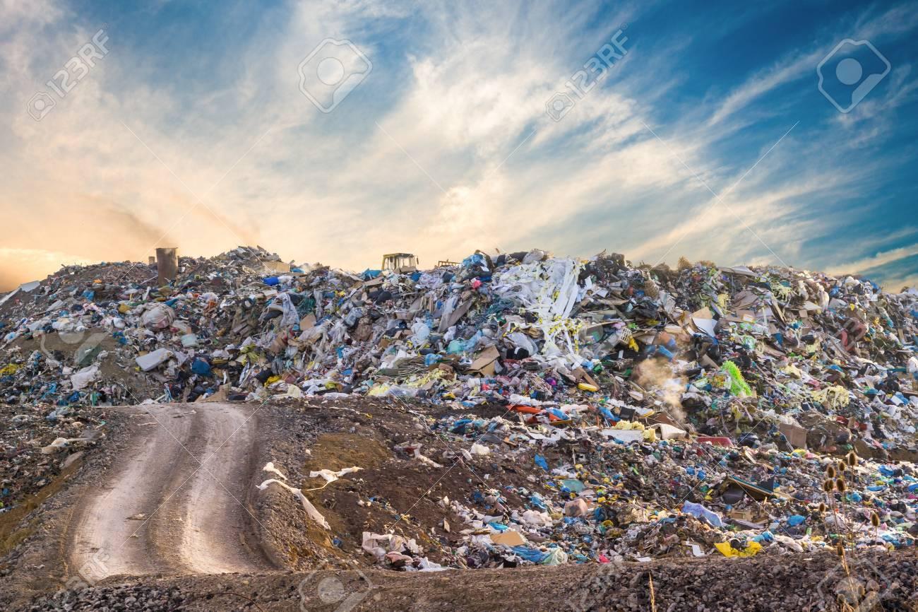 73784148-garbage-pile-in-trash-dump-or-landfill-pollution-concept-.jpg