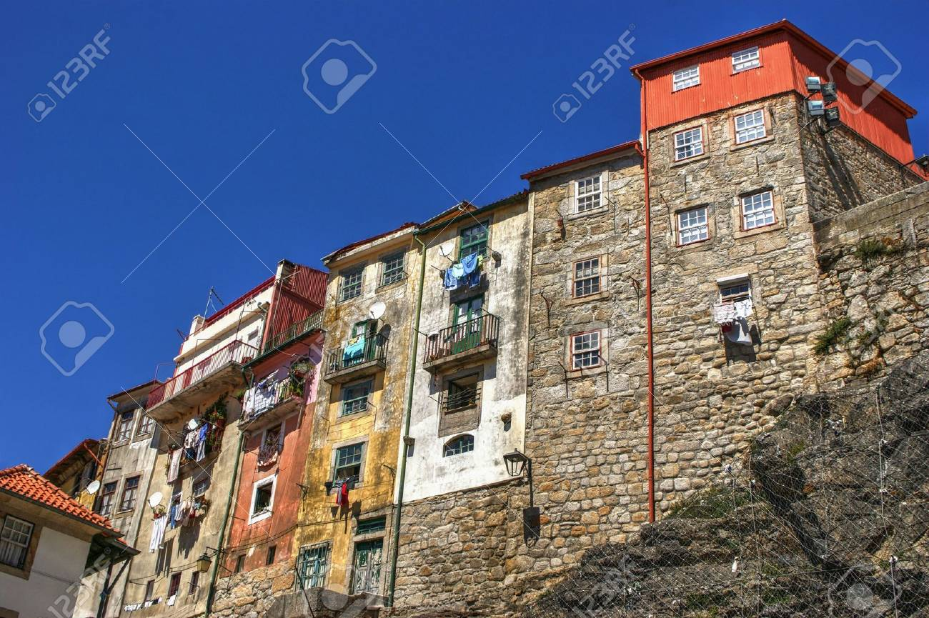 Typical houses of downtown in Porto, Portugal Stock Photo - 69832201