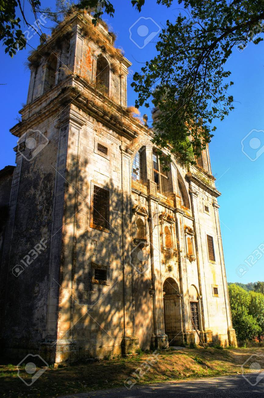 Ruined convent of Seiça, Figueira da Foz, Portugal Stock Photo - 73268185
