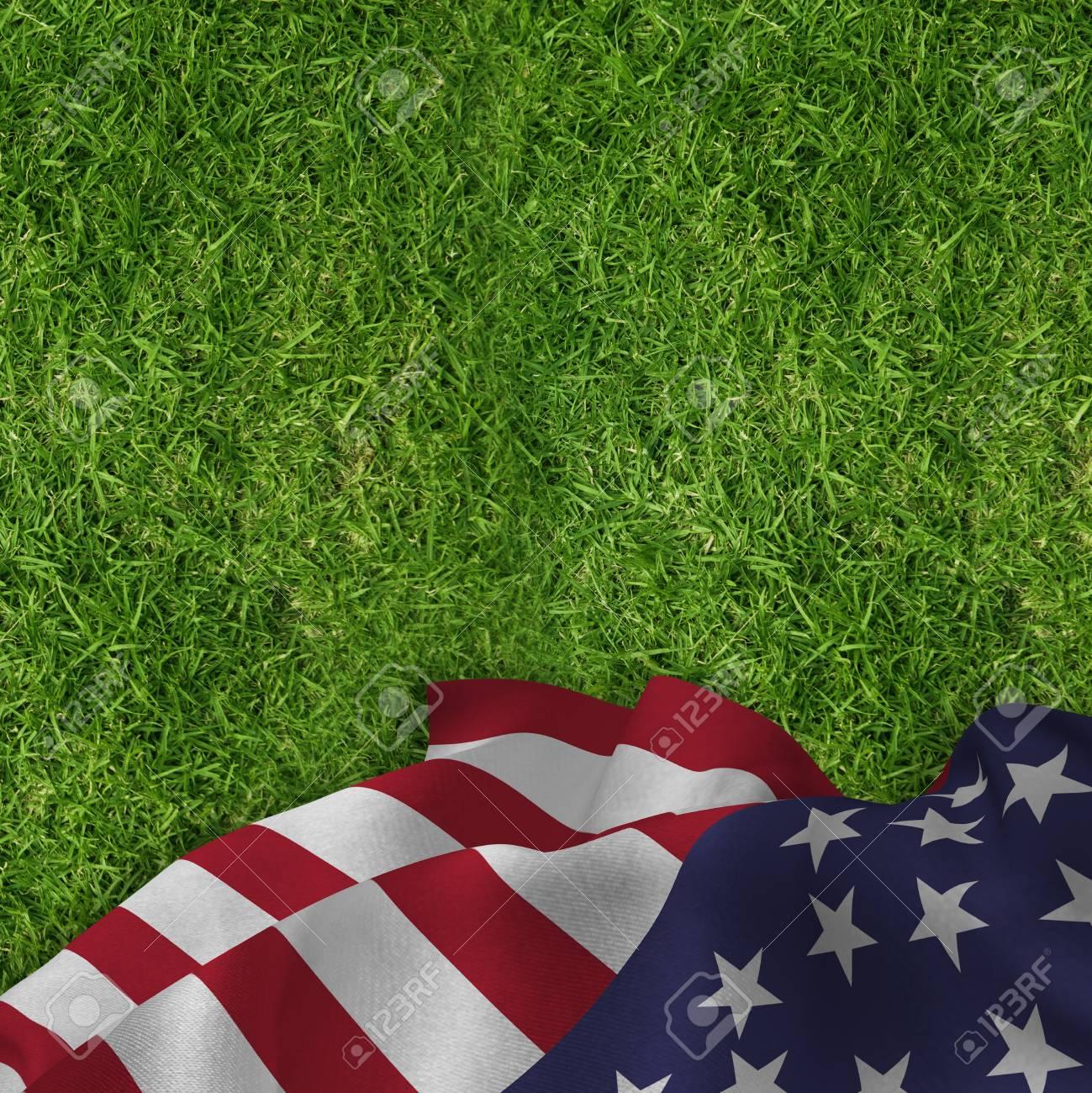 Schließen Sie Oben Von Der US-Flagge Gegen Geschlossene Ansicht Von ...