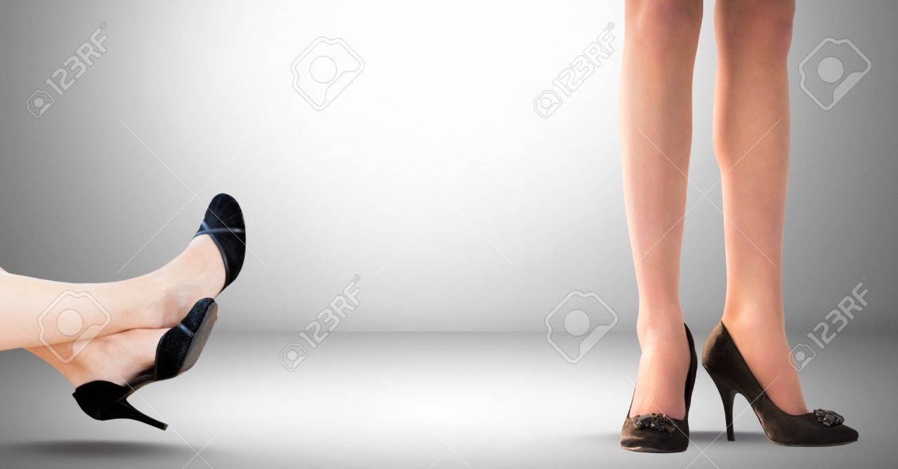 Digital Composite Der Beine Der Geschäftsfrau, Füße Und Schuhe ...
