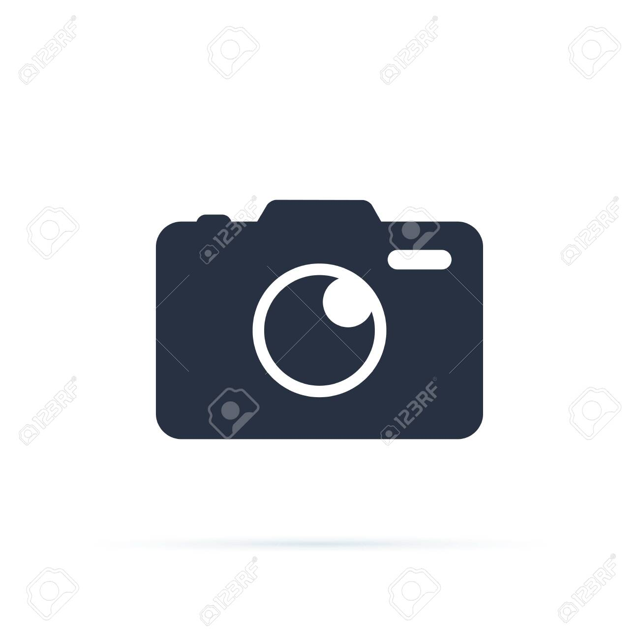 Photo camera vector icon. Camera icon, flat photocamera vector isolated. Modern simple snapshot photography sign. - 121663111