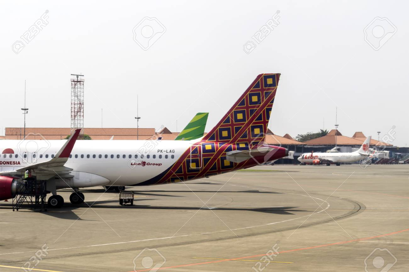 Jakarta indonesia august 16 2017 the batik air airbus a320 200 jakarta indonesia august 16 2017 the batik air airbus a320 200 stopboris Image collections