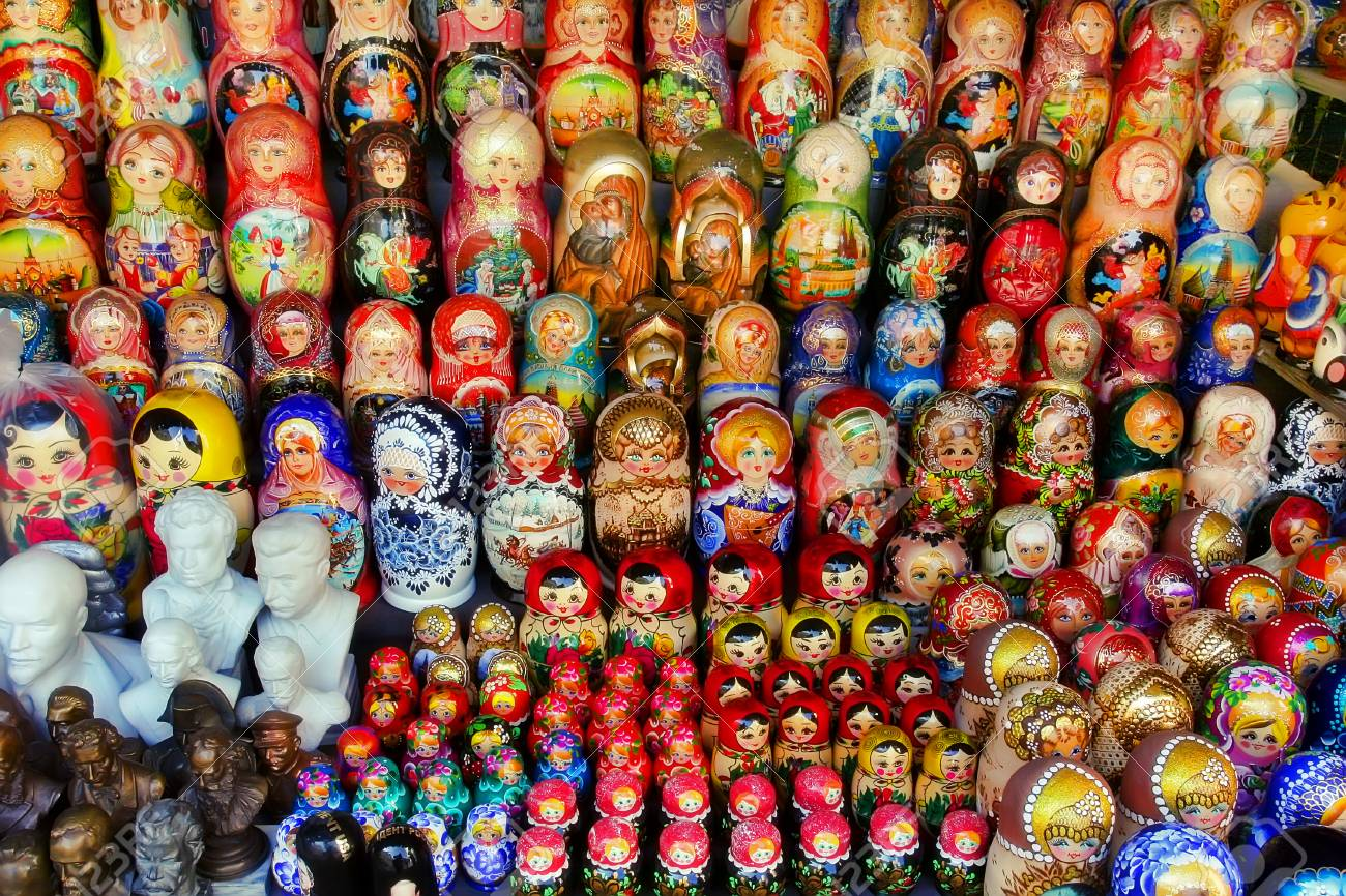 Where in Moscow a large selection of lamps and chandeliers at affordable prices 91