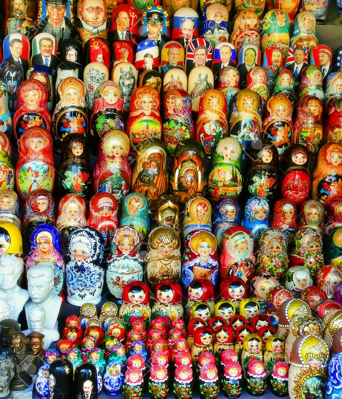 Where in Moscow a large selection of lamps and chandeliers at affordable prices 77