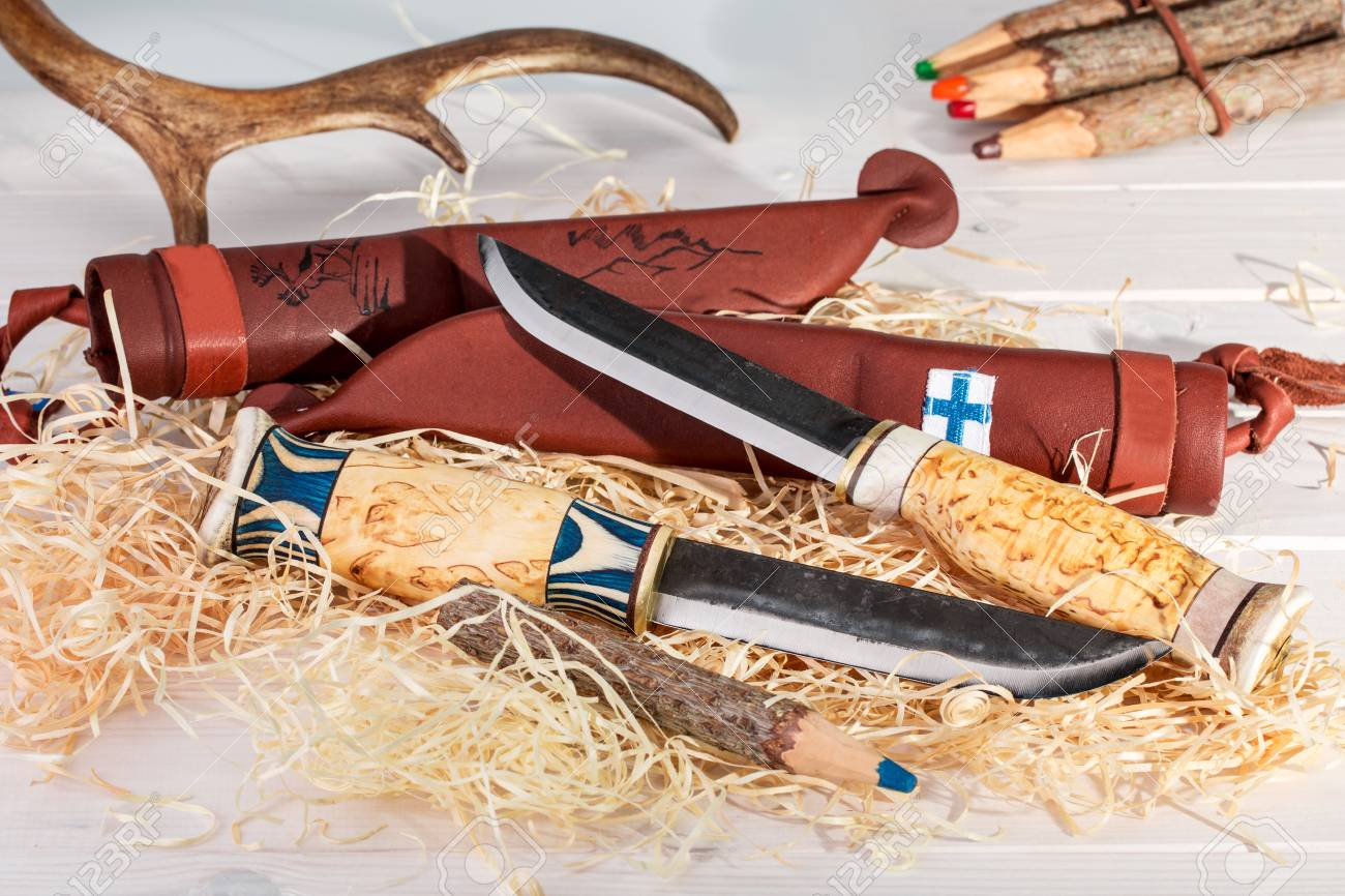 Traditional Finnish Belt Knives (Puukko) With Curving Cutting