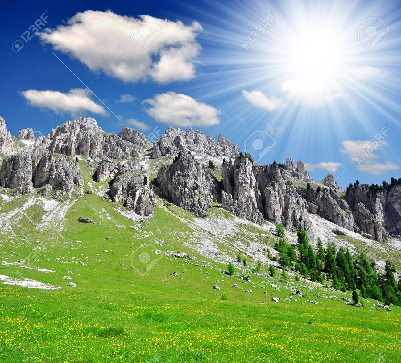 Dolomite peaks, Rosengarten,Val di Fassa, Italy Alps Stock Photo - 15735619