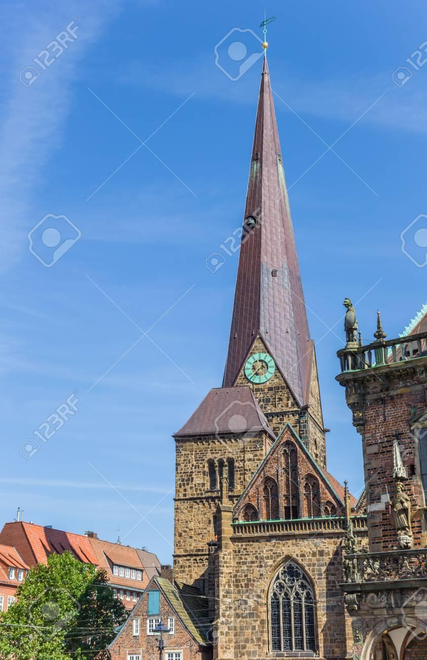Torre De La Iglesia De Nuestra Señora En Bremen Alemania Fotos Retratos Imágenes Y Fotografía De Archivo Libres De Derecho Image 86183825