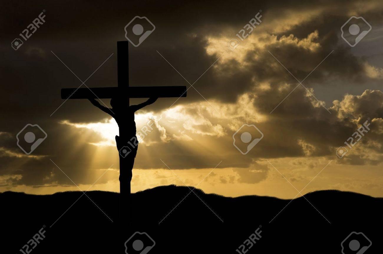 Silueta De La Crucifixión De Jesucristo En La Cruz El Viernes Santo