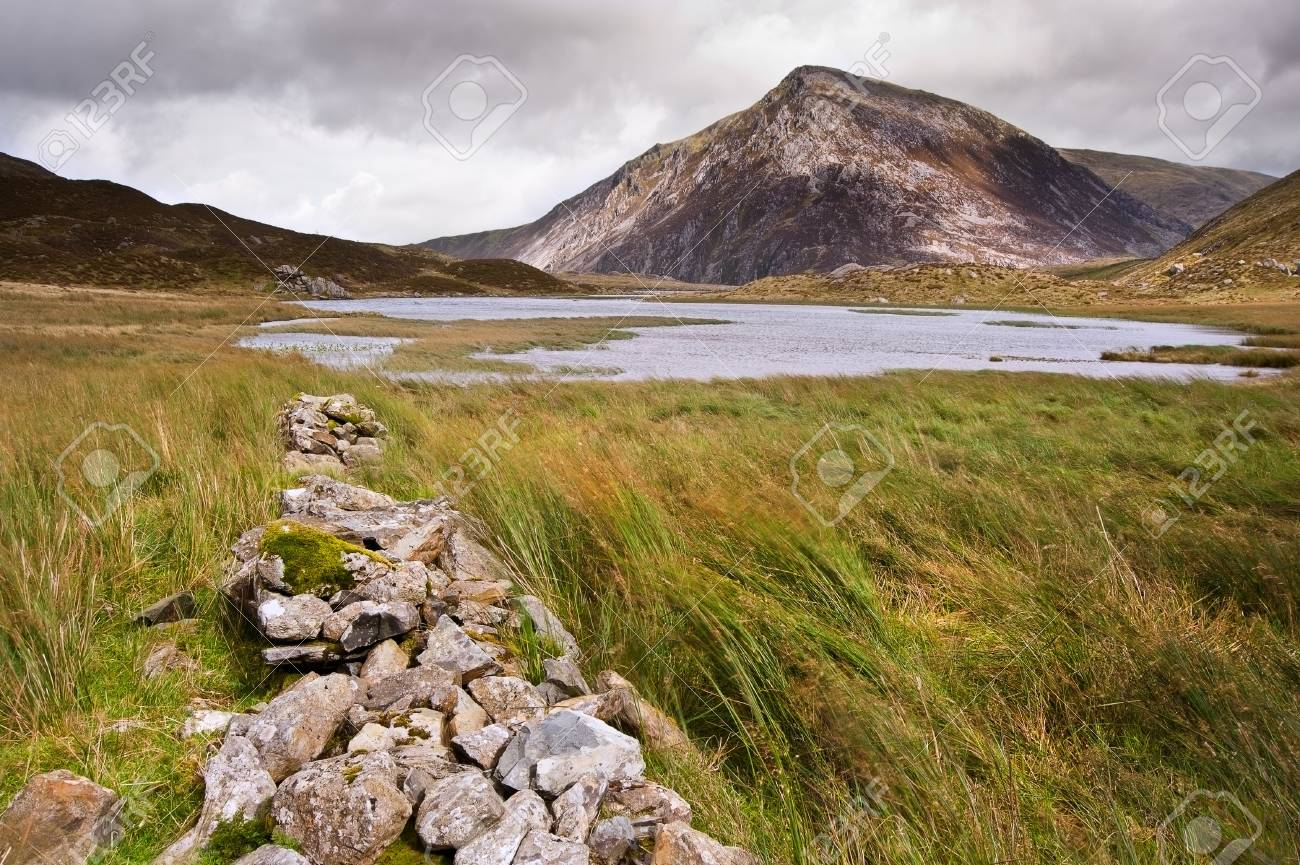 View over Llynn Idwal in Glyderau mountain range in Snowdonia National Park towards Pen-yr-Ole-Wen in distance Stock Photo - 16440515