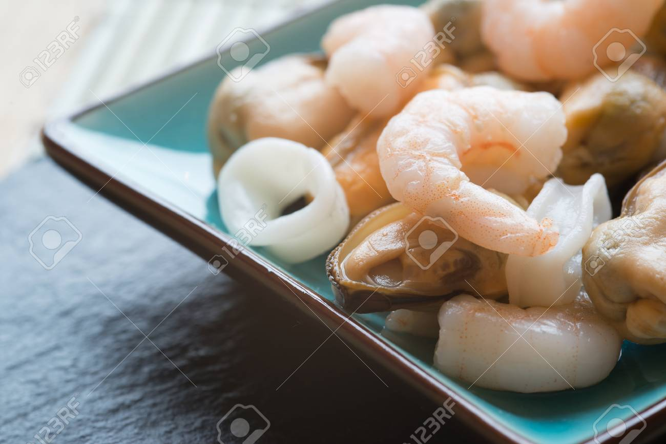 Seafood mix on platter with prawns squid and mussels Stock Photo - 23178323