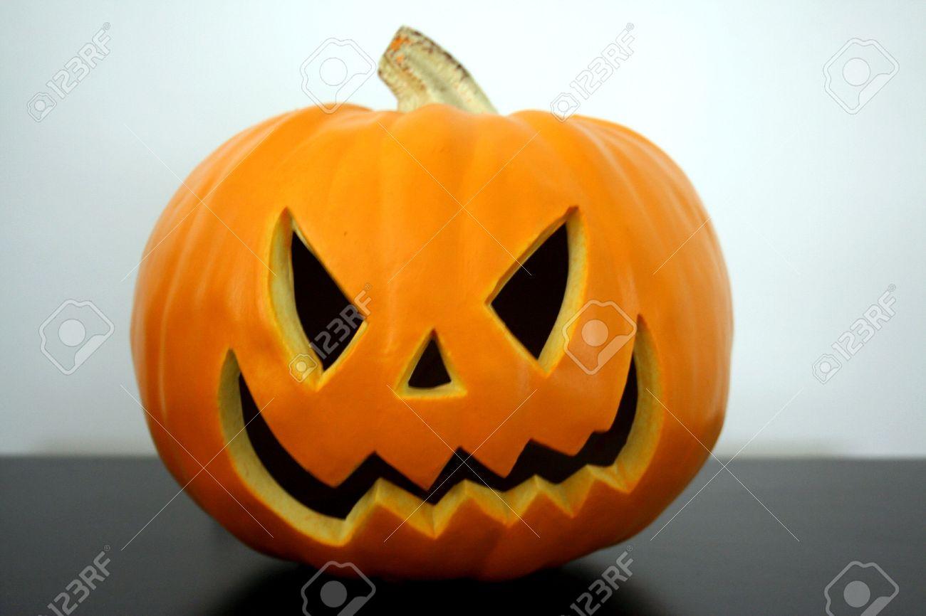 Gut gemocht Scary Halloween Kürbis Gesicht Lizenzfreie Fotos, Bilder Und Stock MW96