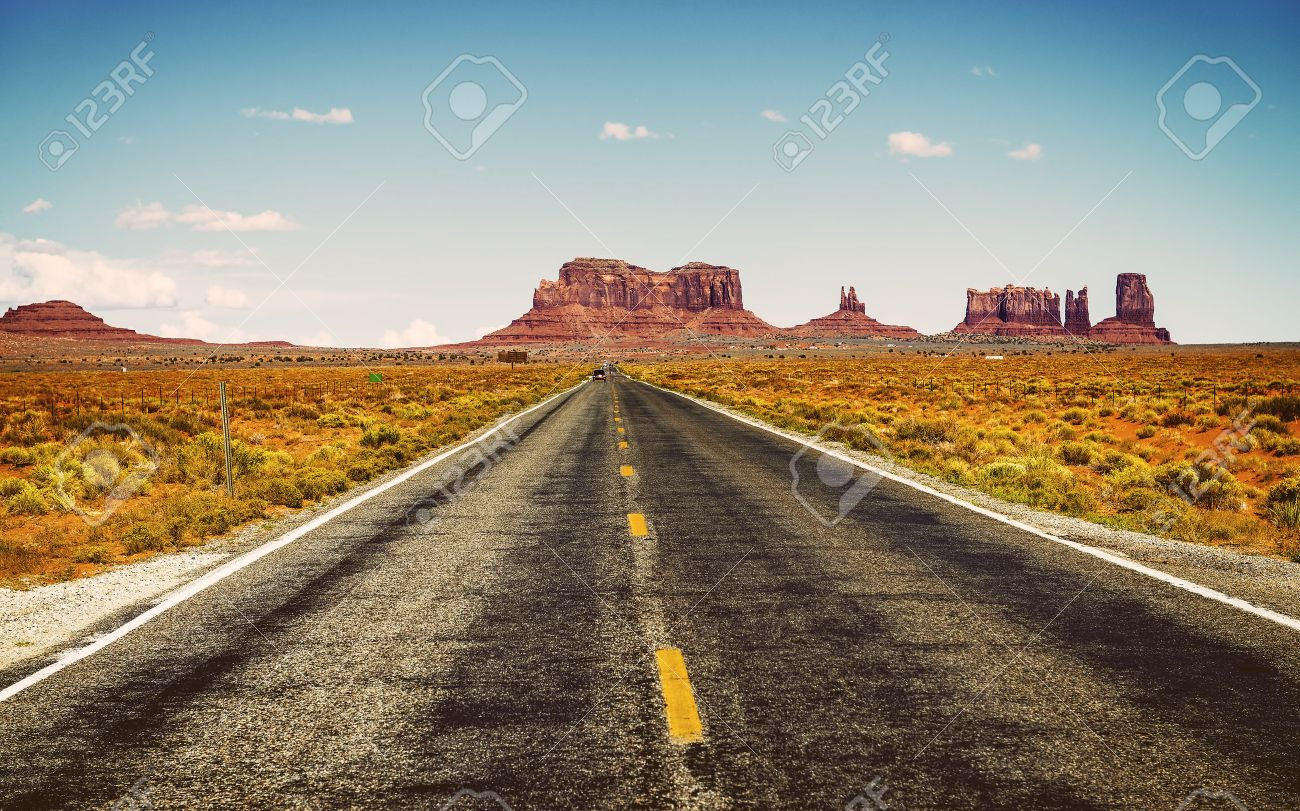 famous road in southwest of america near Monument Valley tribal park, USA - 30821552