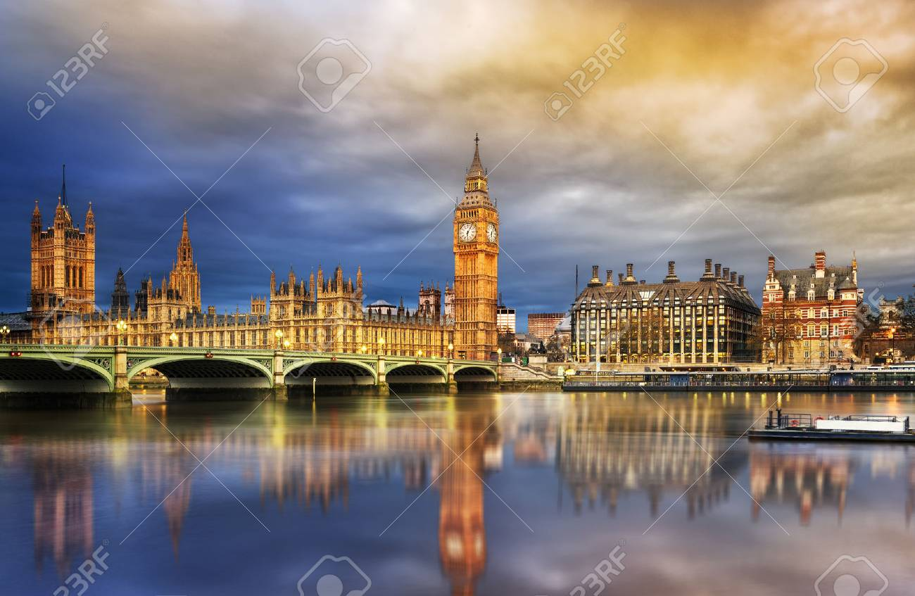 Big Ben and Houses of parliament at dusk, London, UK - 40295393