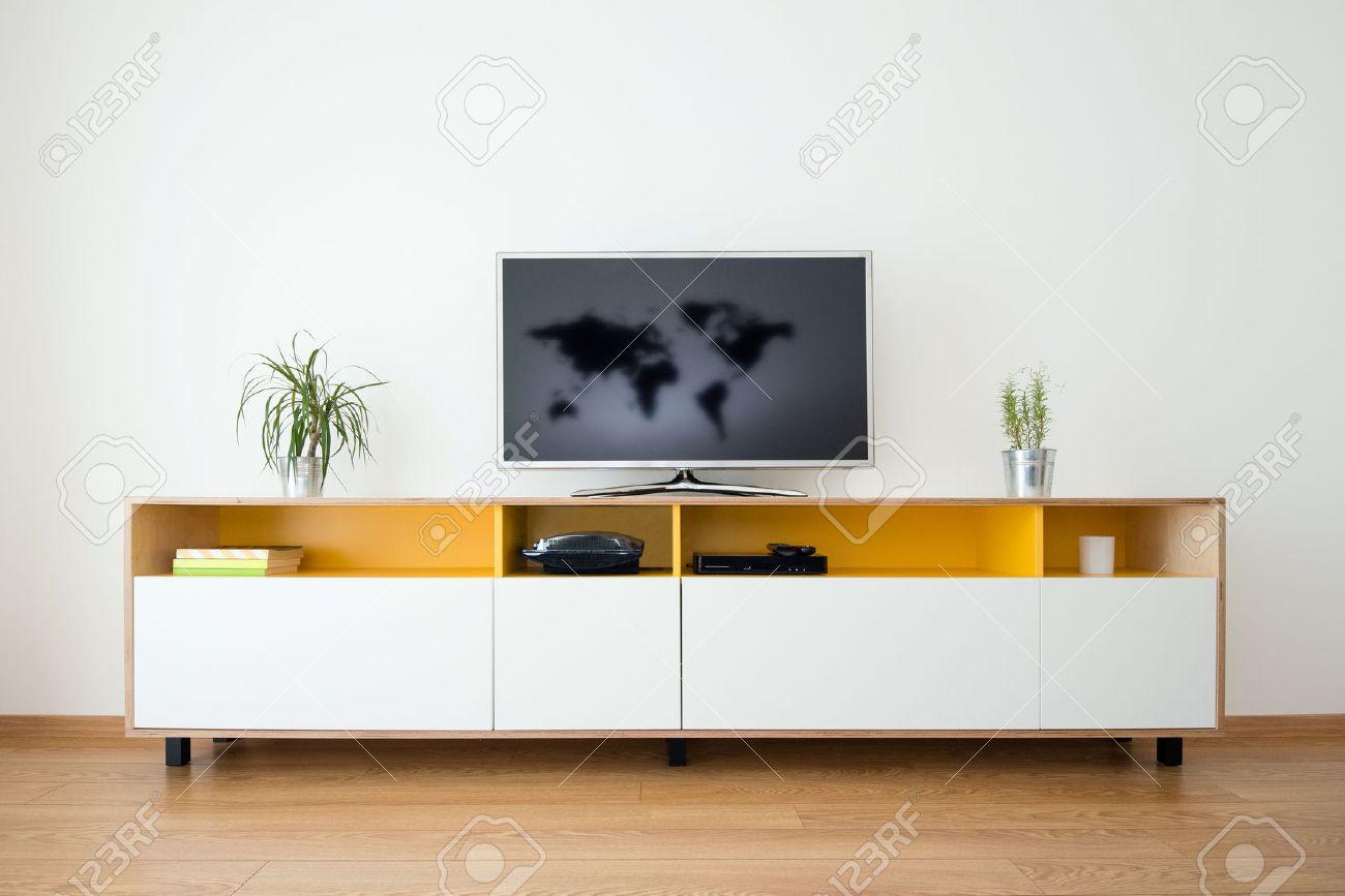 Detail van moderne woonkamer   wand met tv royalty vrije foto ...