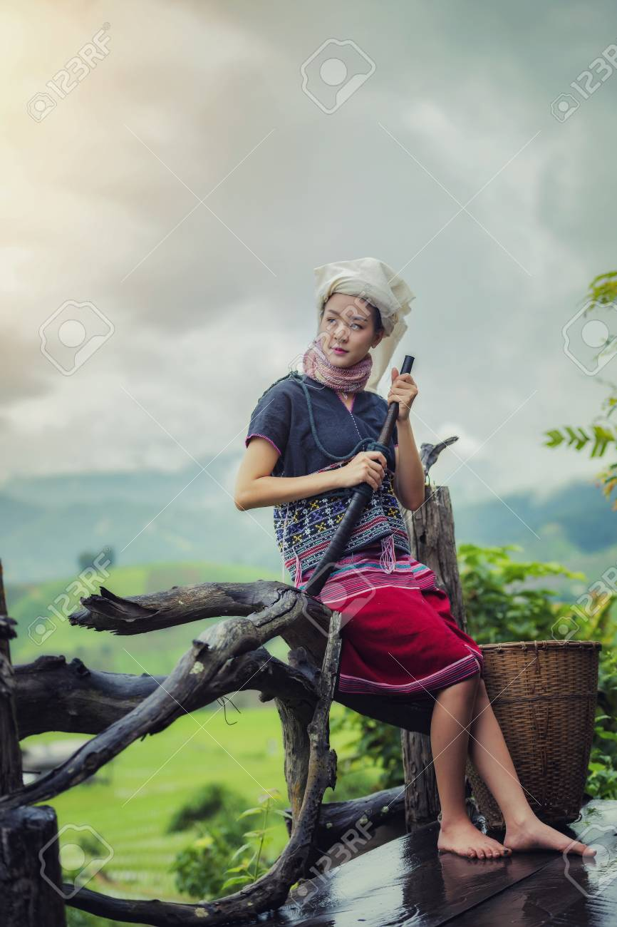 Campos Cultivar Agricultores En Temporada LluviasLos De MañanaTribu Traje Arroz VestidoAgricultor Tribus La Hermoso SzpUMV