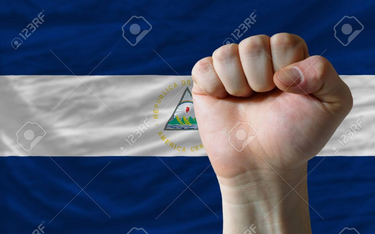 La Bandera Nacional Completa De Nicaragua Cubre El Bastidor Entero ...