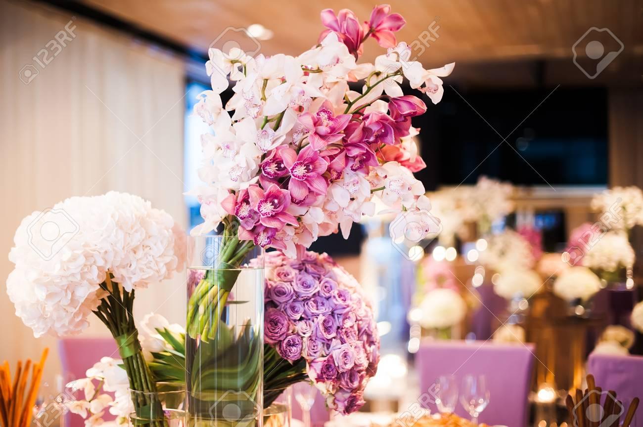 Hochzeit Dekorationen Mit Blumen Lizenzfreie Fotos Bilder Und Stock