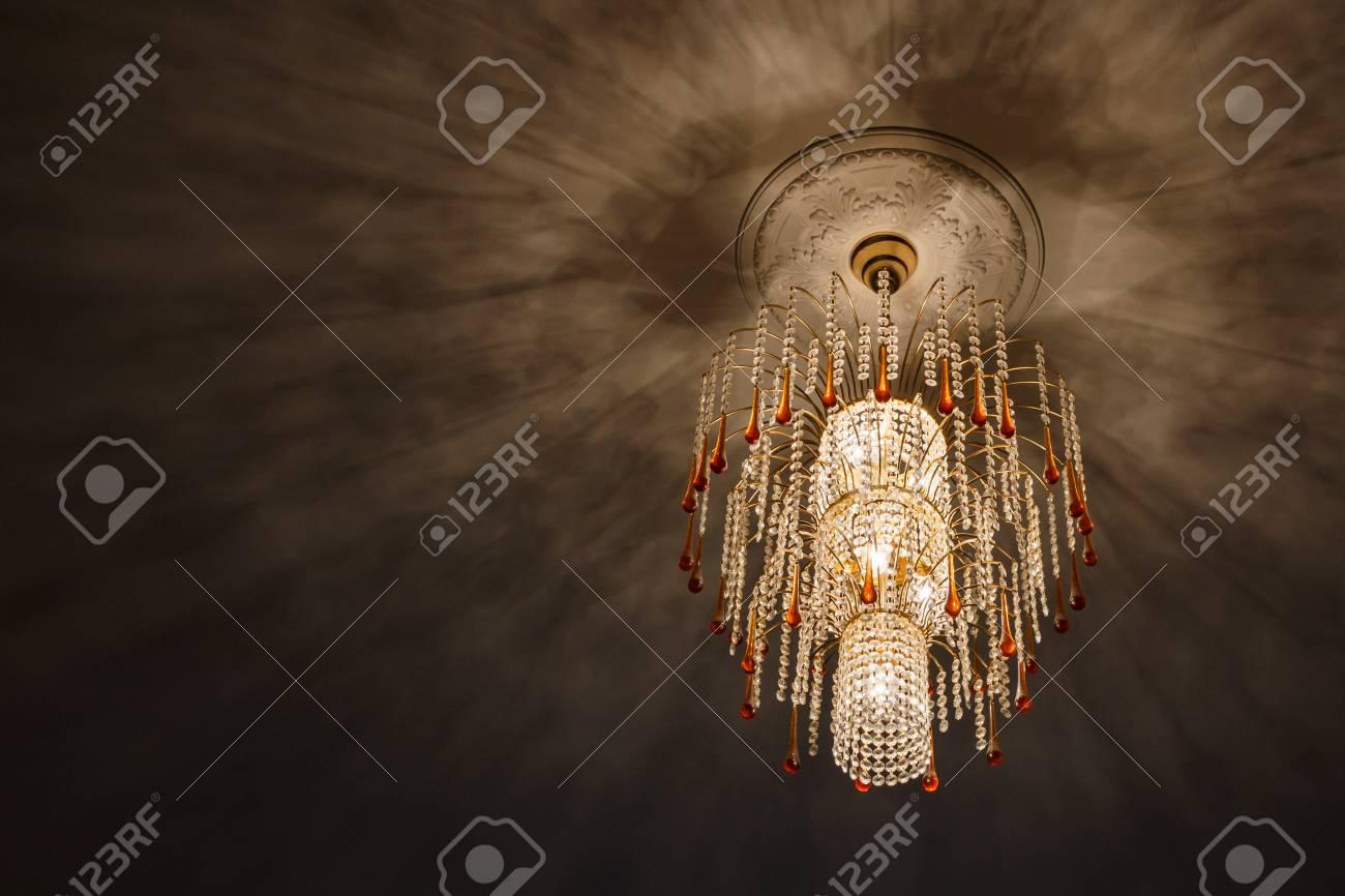 negras de araña en lámpara la lámparasombras el araña de Enfoque de cristalluces techo de de techo de la selectivo ebEH29IYWD