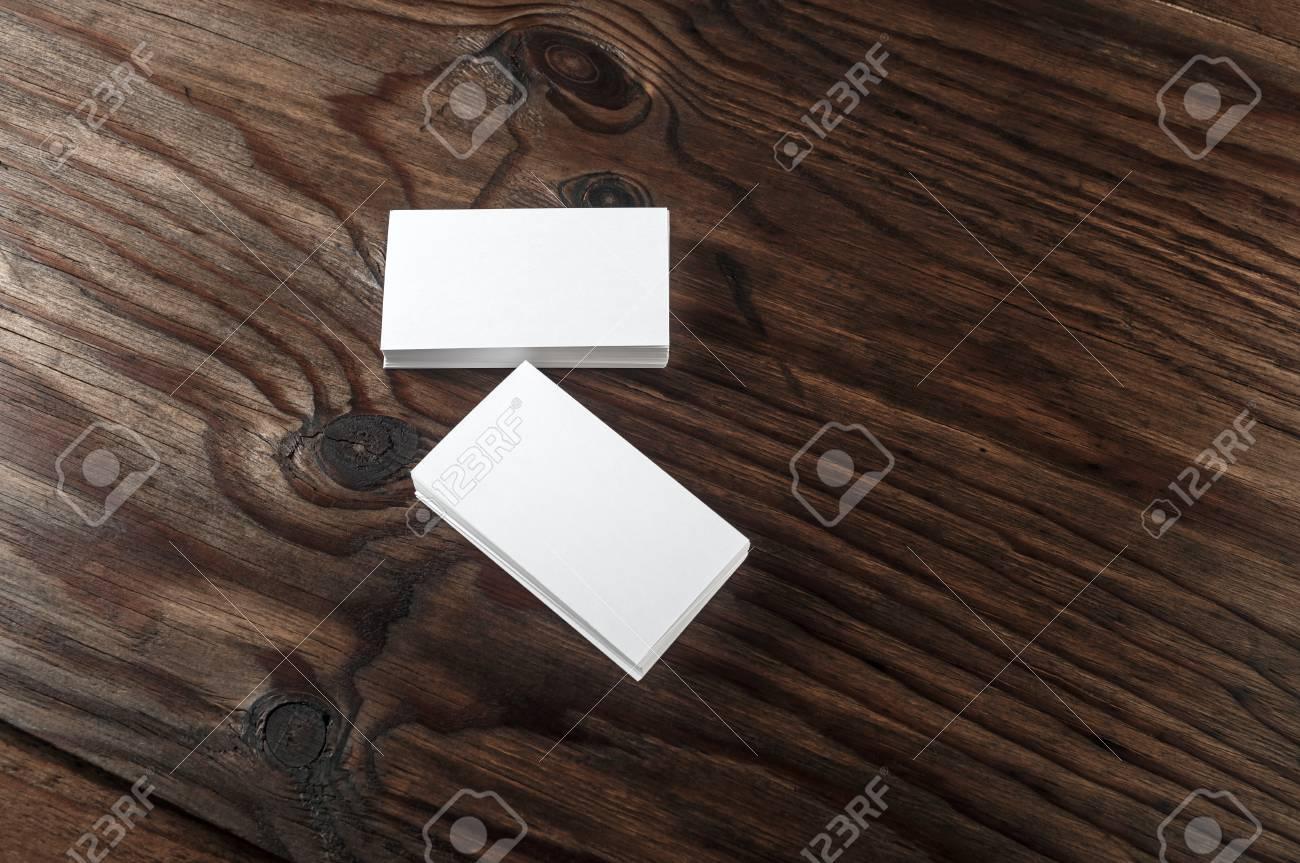 Blank Blanc Cartes De Visite Sur Un Fond En Bois Fonc Mock Up L