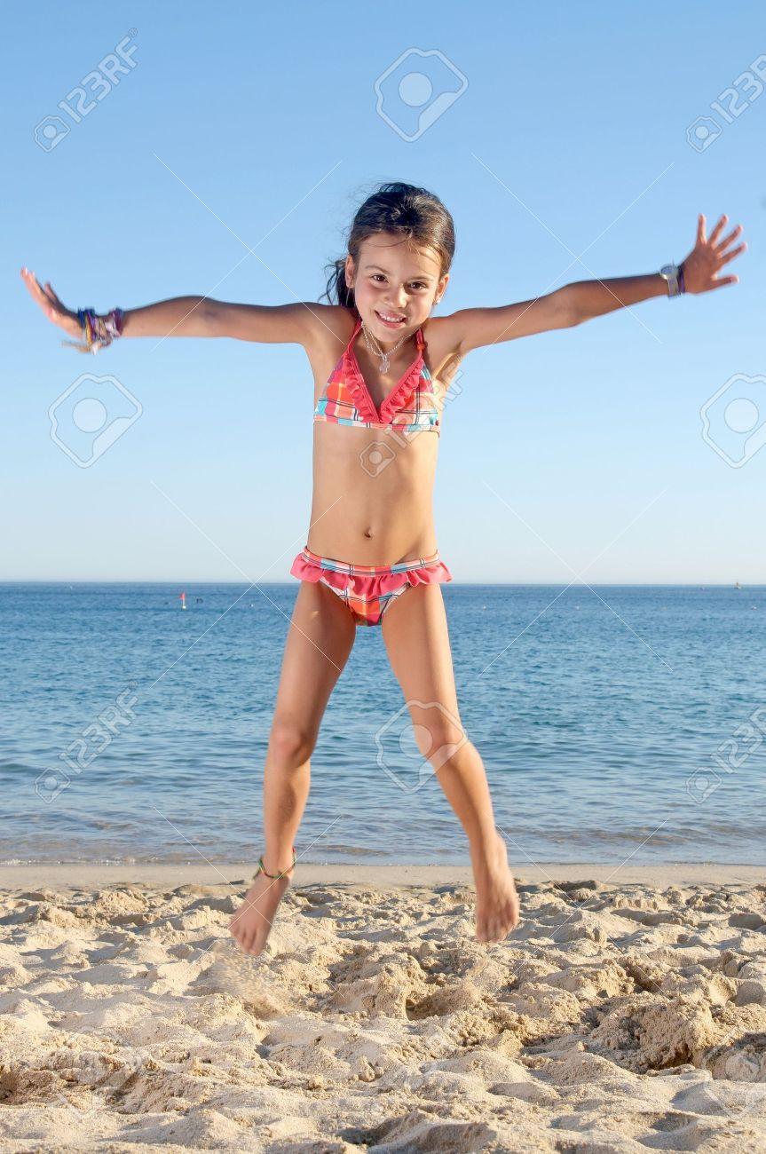 Фото детская красота нагишом на пляже
