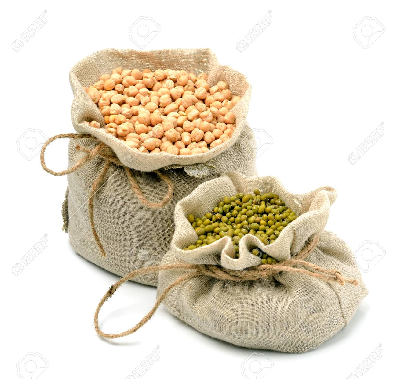 chick-pea, mung beans in sacks isolated on white background - 72044724