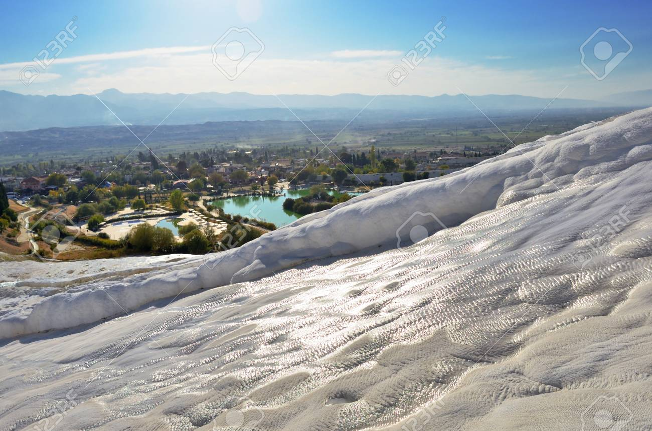 Travertine pools and terraces in Pamukkale, Turkey in a beautiful autumn day. - 90543886