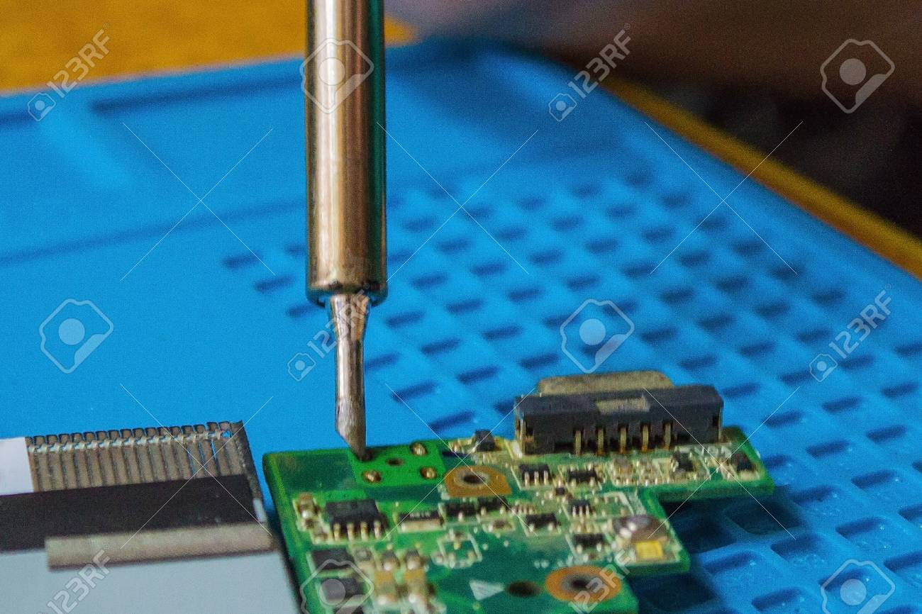 Replacement parts on the motherboard  Repair of netbook, laptop
