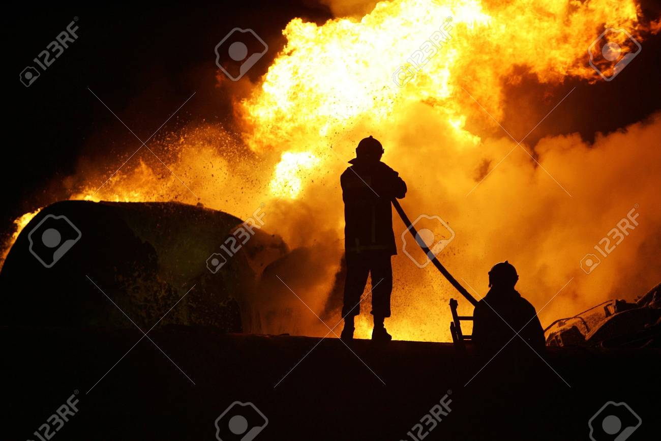 KILKIS,GREECE - MAY 9,2007: Fire-fighters trains extinguishing a fire  Stock Photo - 16020110