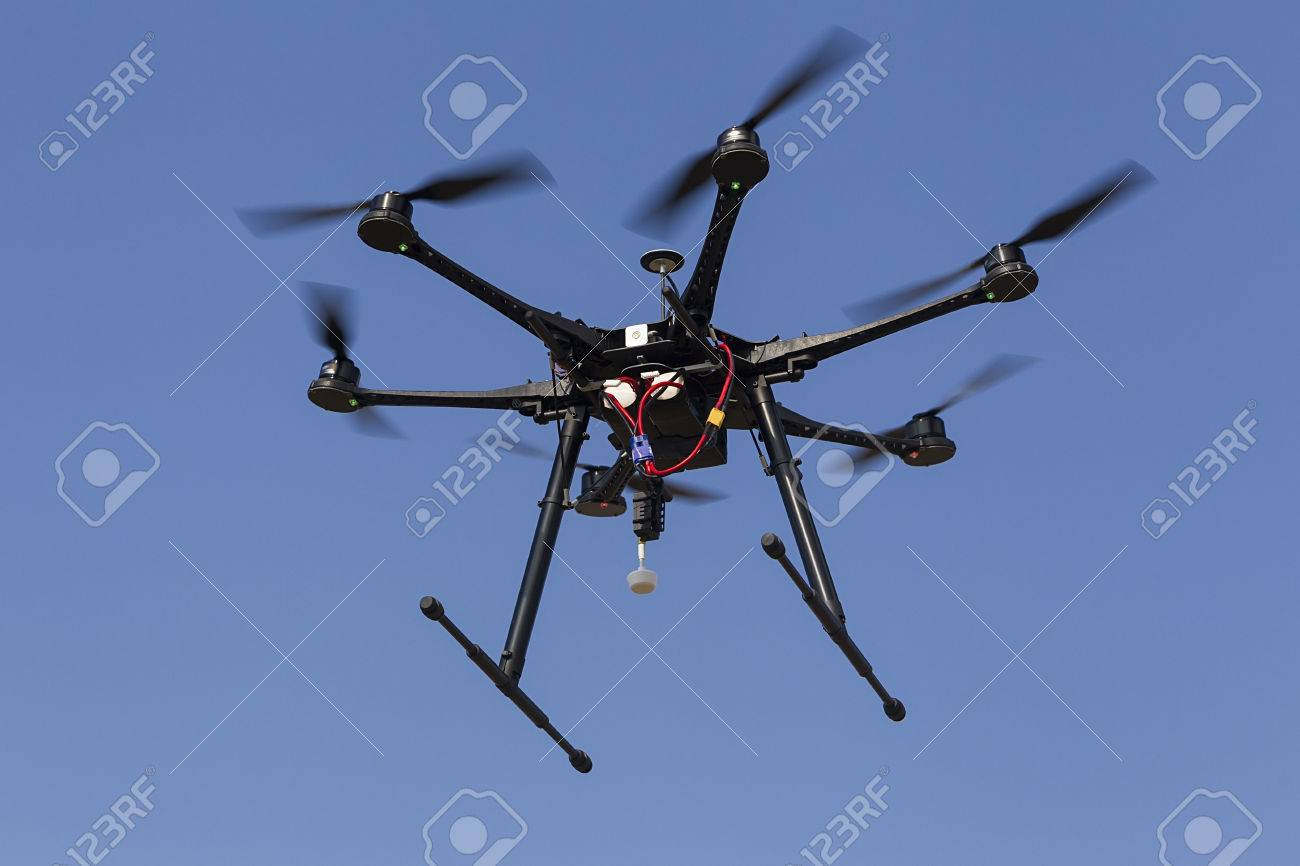 Fliegen uav Hexacopter Drohne Standard-Bild - 25064887