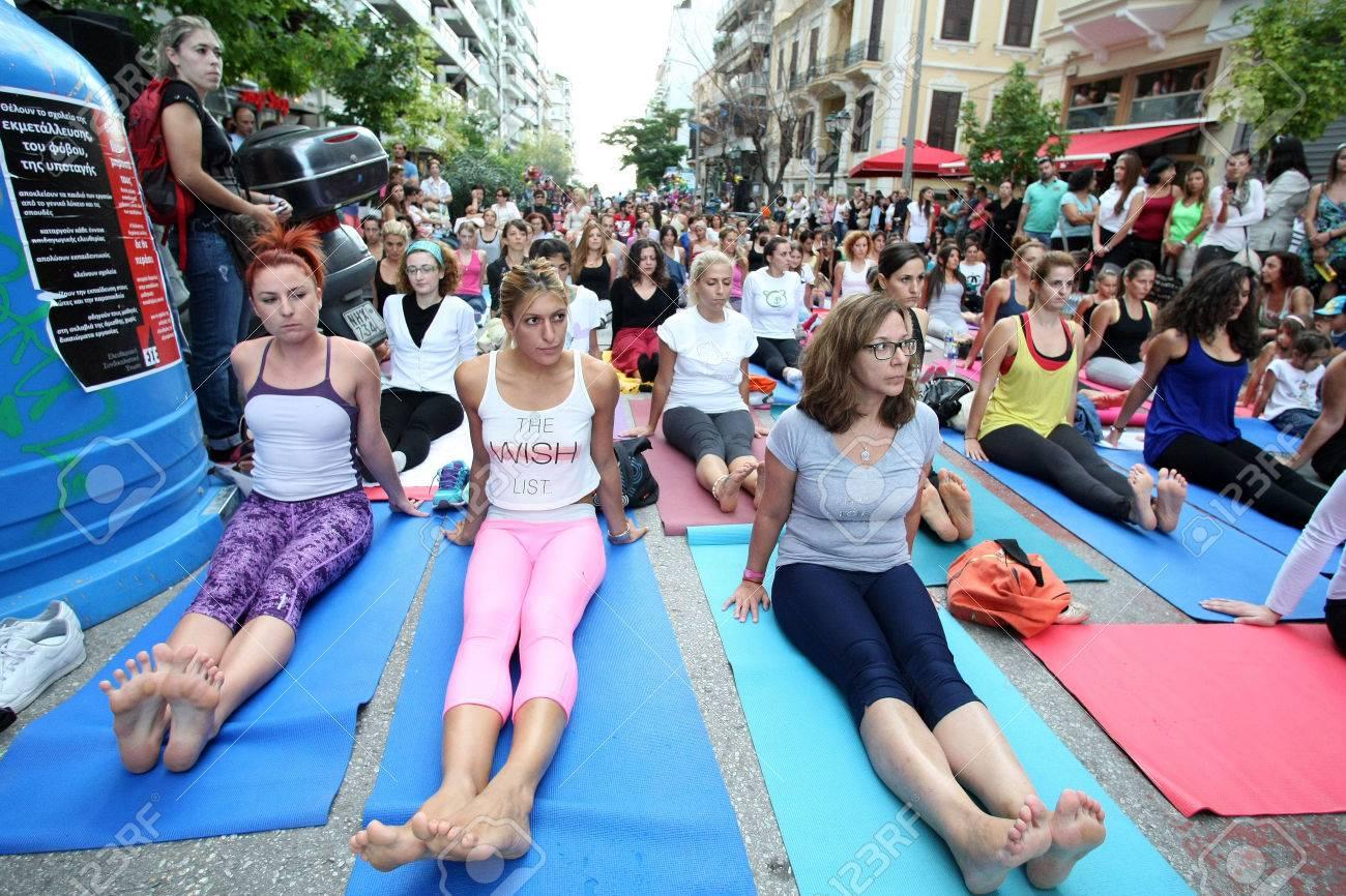 Thessaloniki Griechenland 22 September Menschen Führen Yoga