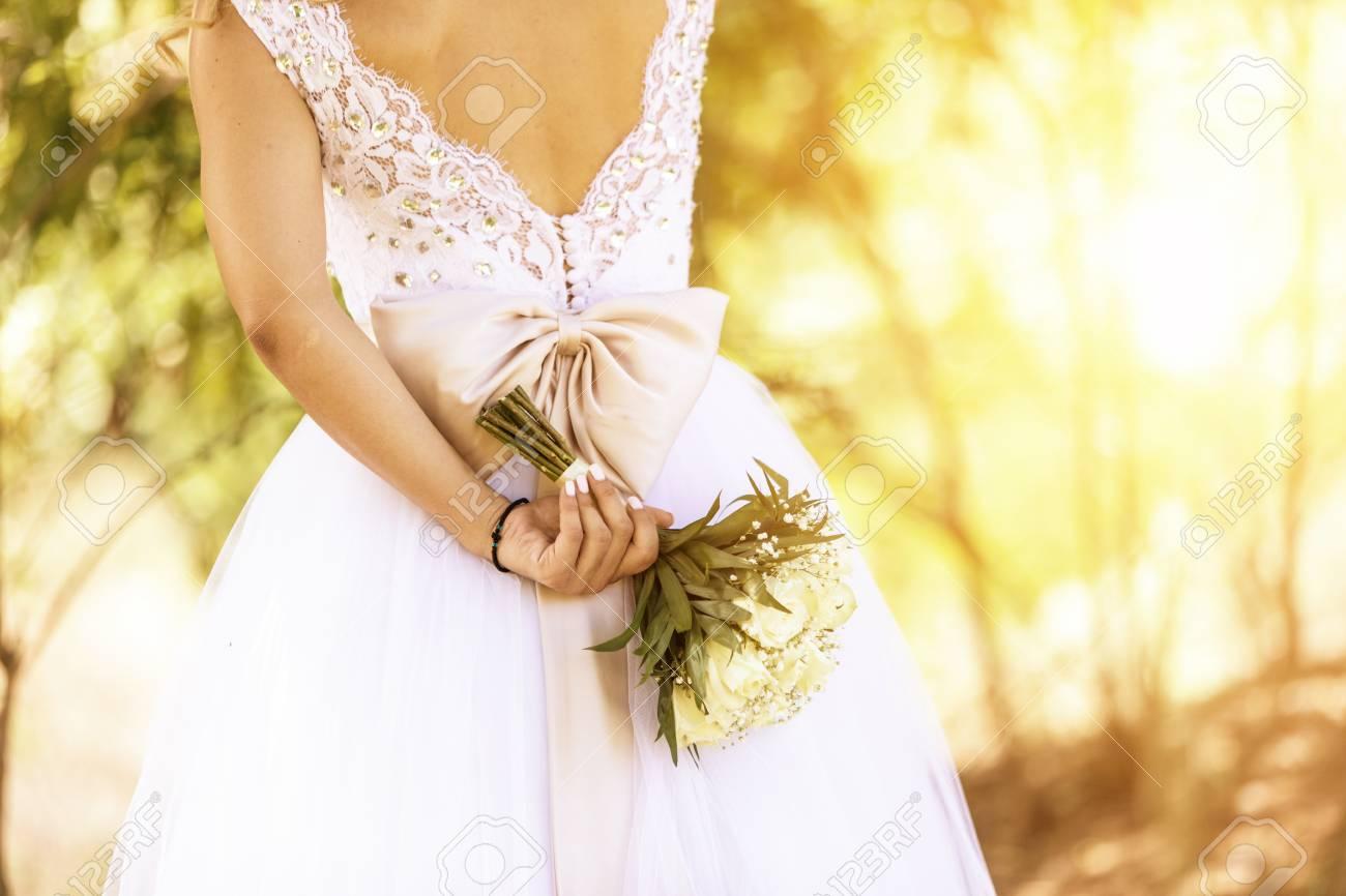Hochzeit Schone Braut Mit Bouquet Bild Kreuz Verarbeitet Fur