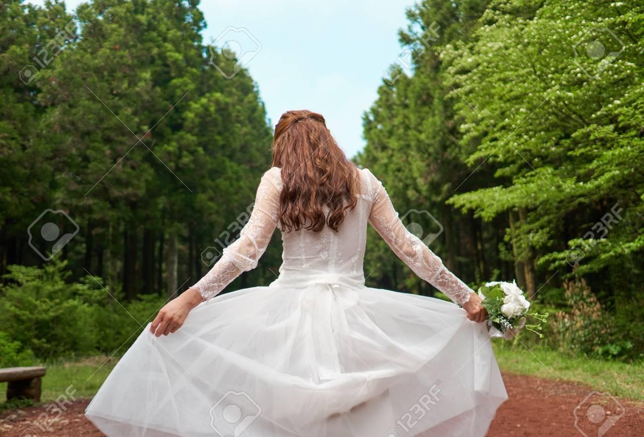 Gemütlich Lustiges Hochzeitskleid Bilder - Brautkleider Ideen ...