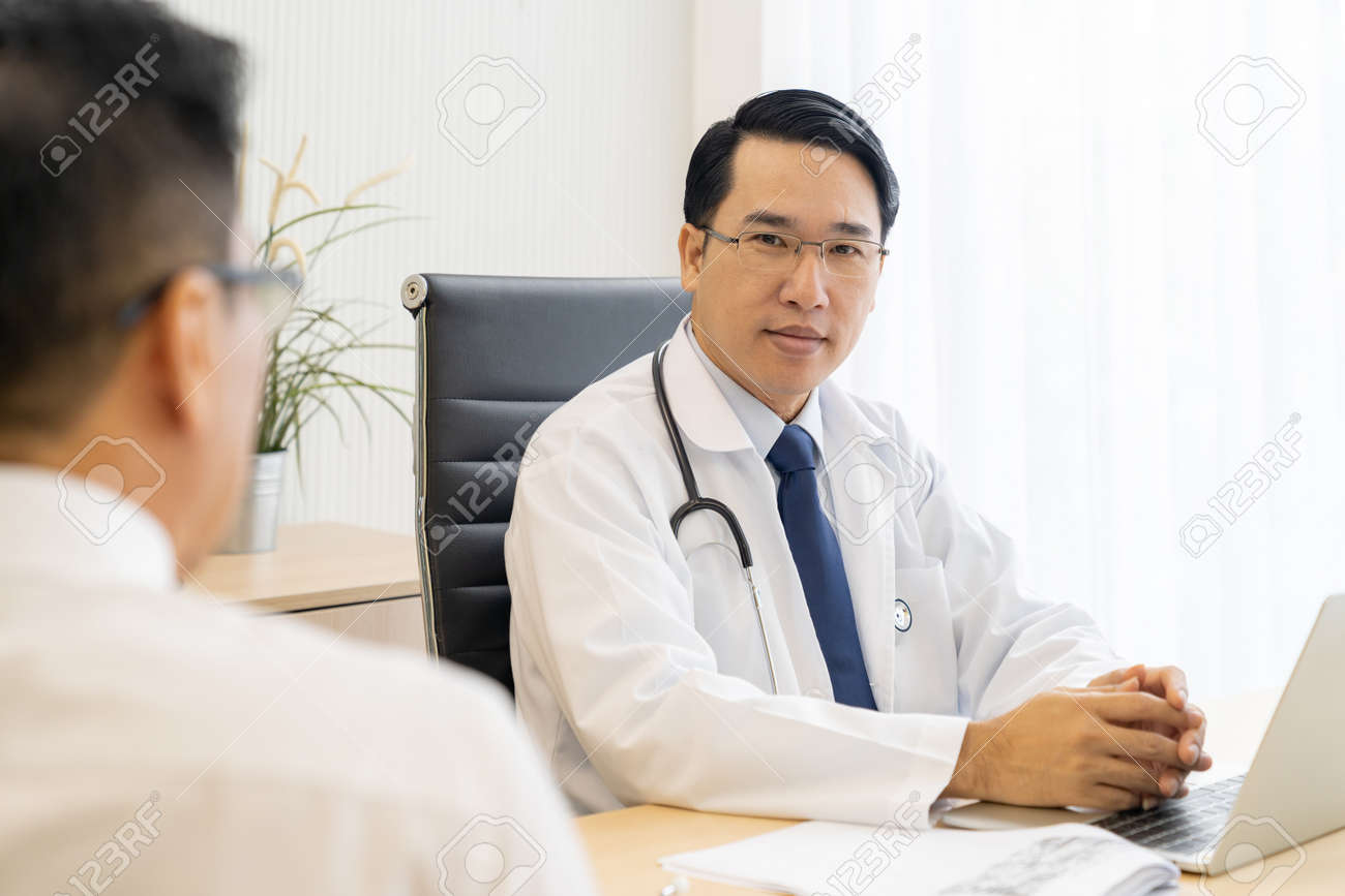 Two doctors Consulting - 120474382