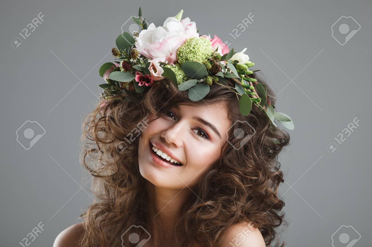 Stubio Beauty Portrait Of Cute Young Girl With Flower Crown Stock