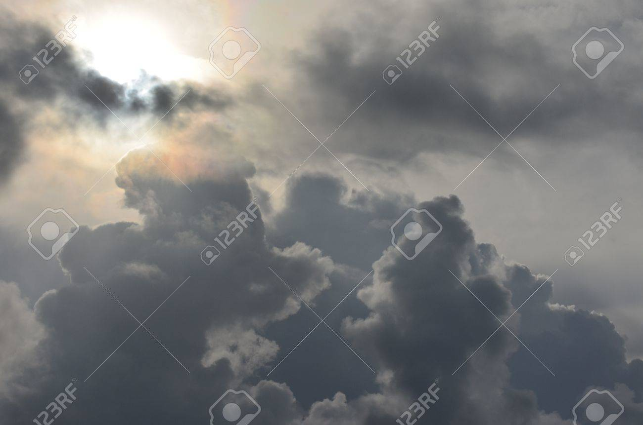 sunburst clouds Stock Photo - 15182597