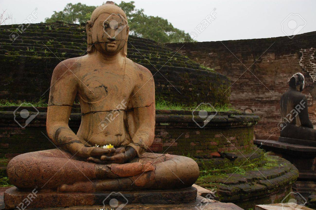 Seated Buddha statues in the Vatadage temple in the town of Polonnaruwa, Sri Lanka. Stock Photo - 5810815