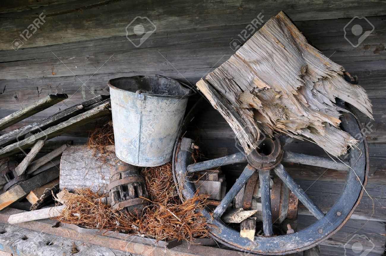Old abandoned items in the wooden attic of the old house Stock Photo - 11091797