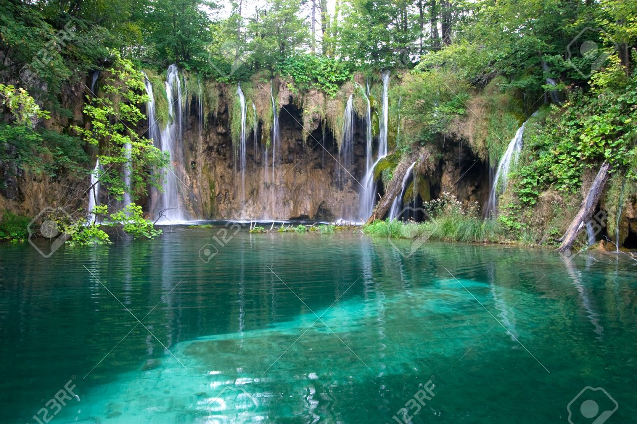 Waterfalls and lake in Plitvice Lakes National Park - 1639969