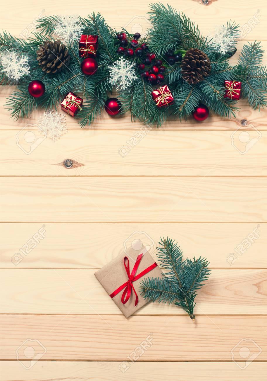 Weihnachten Hintergrund. Handgemachte Geschenk-Box In Der Nähe ...