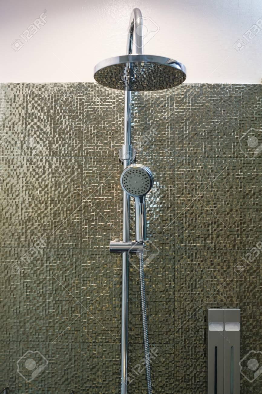 Luxury Modern Stainless Steel Ceiling Rain Shower Shower Head