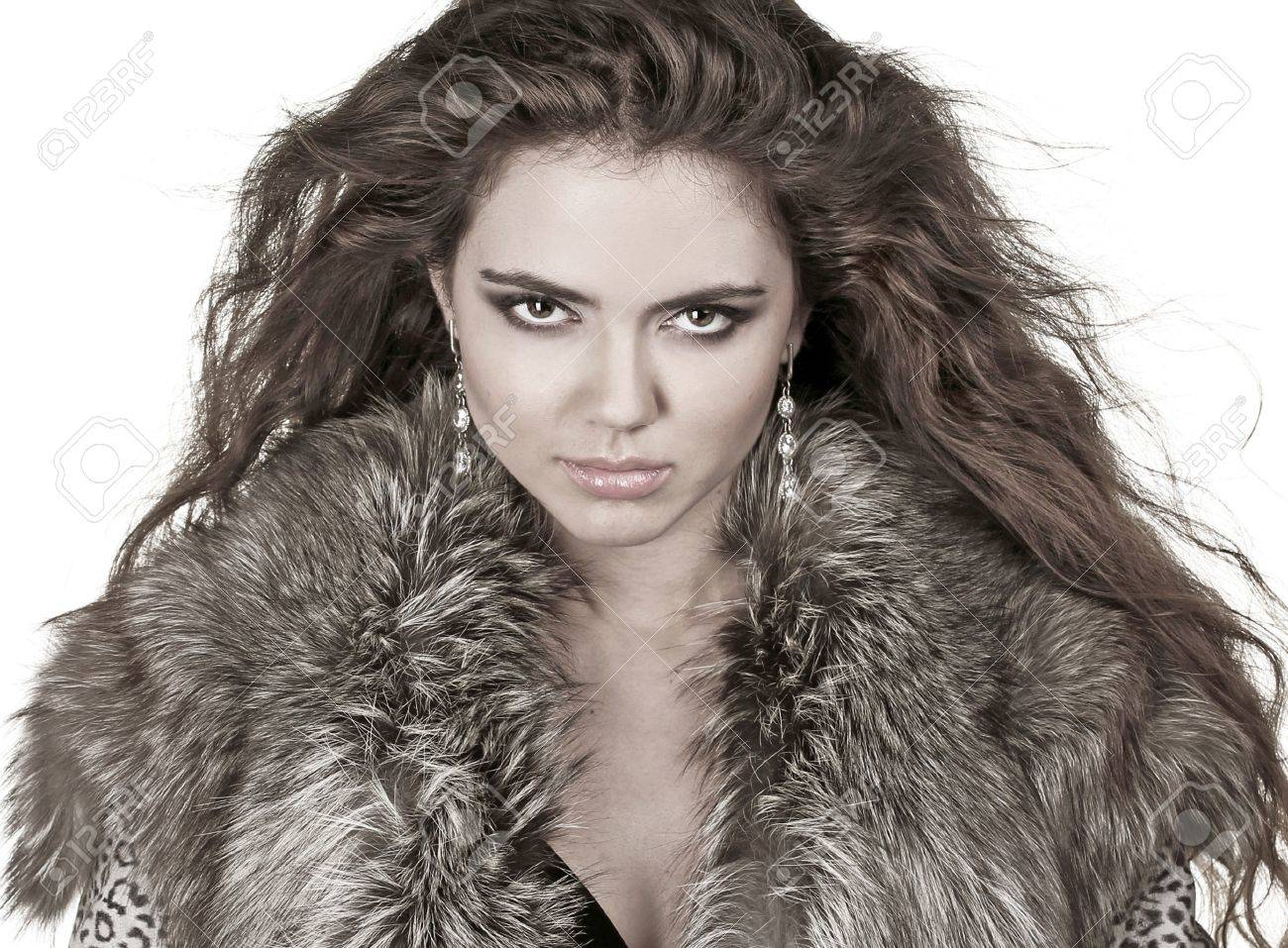 Beautiful Woman In Fur Coat, Fashion Lady, Curly Hairstyle, Winter ...